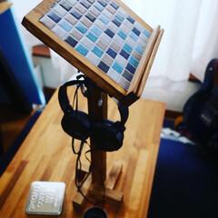 ブライワックスジャコビアン/譜面台/100均リメイク/フック/セリア/DIY/... ミニ譜面台、塗装して完成〜♪  ボチボチ…(1枚目)