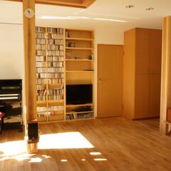 テレビ置き場/CD棚 テレビと家のご主人が大量に持っている音楽…