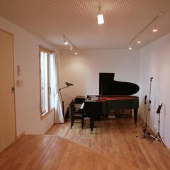 音楽室/ピアノ室/防音室 ピアニストの奥様のために、完全防音を施し…