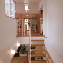 スケルトン階段 2階のリビングから、3階の子供スペースへ…